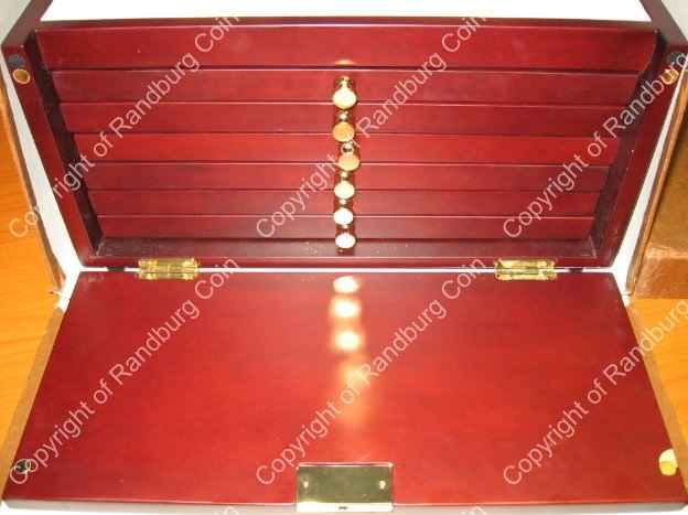 Lindner_Box_6_Tray_35_Division_Box_Front_open.jpg