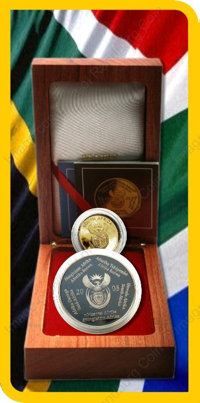 2005_FIFA_Gold_Proof_Quarter_oz_and_Silver_1oz_Collector_Handover_Set_open_box_ob