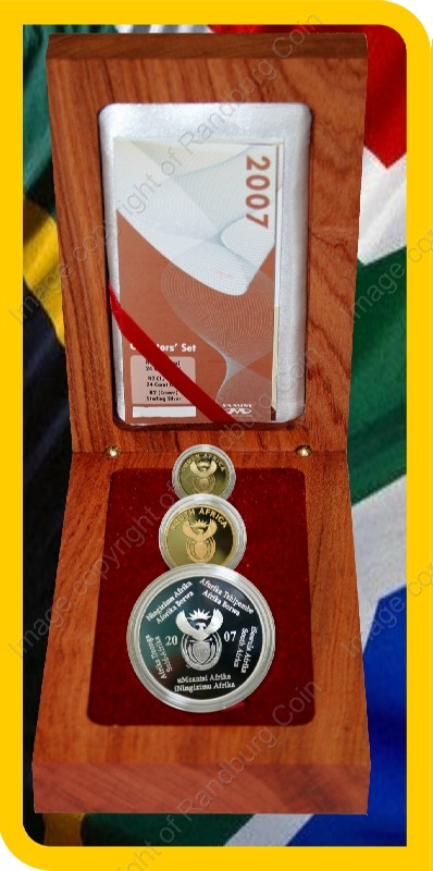 2007_FIFA_Gold_Proof_Quarter_and_10th_oz_and_Silver_1oz_Collector_Set_open_box_ob