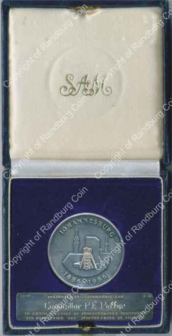 1986_Jhb_100th_Anniv_Silver_Medallion_and_plaque_box_ob.jpg