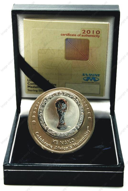 2010_Silver_FIFA_Unc_Commemorative_Medallion_open_box_rev