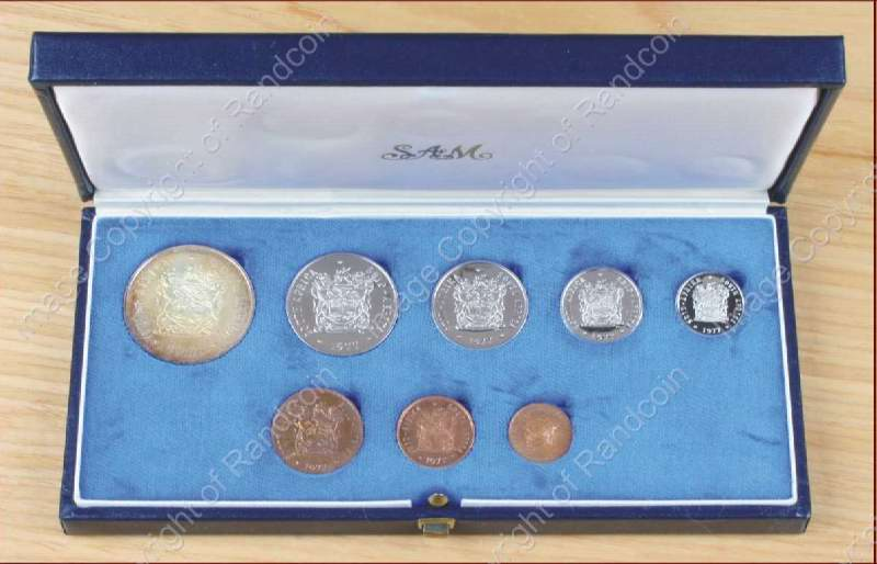 1977_Short_Proof_set_box_open