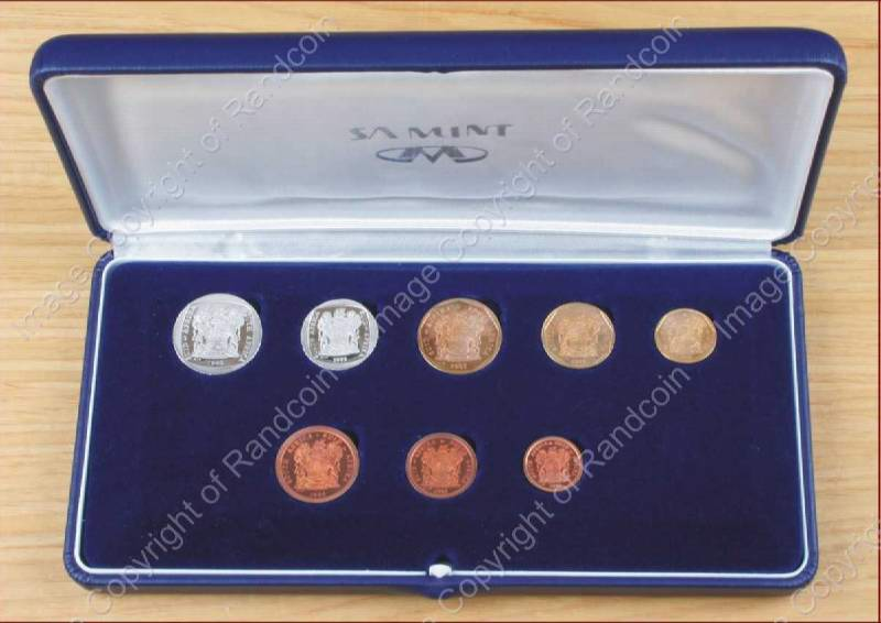 1993_Short_Proof_set_box_open