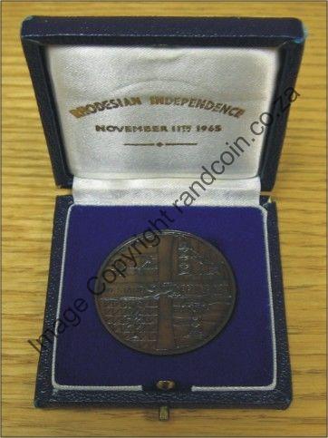 Rhodesia_Independance_Medallion_box_open_rev